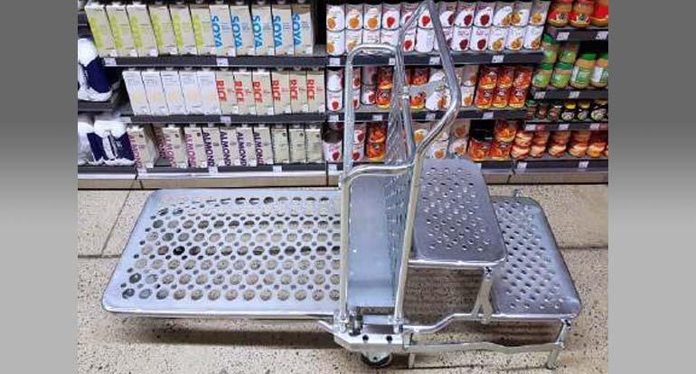 trolleys-2.jpg